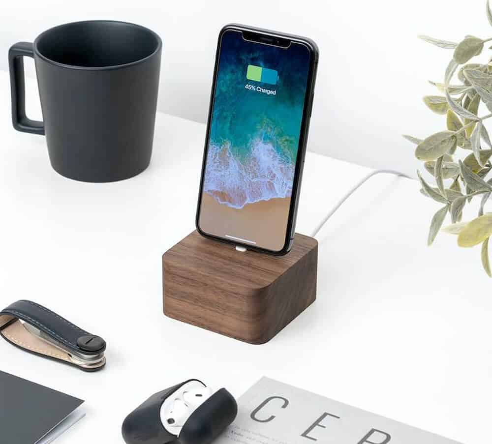 Oakywood iPhone Android Dock Square