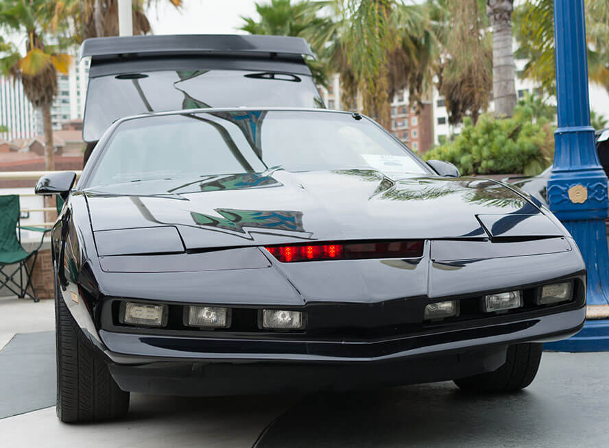Knight Industries Two Thousand (K.I.T.T.) - KNIGHT RIDER (1982-86)